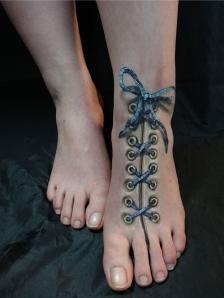 creepy-3d-foot-tattoo