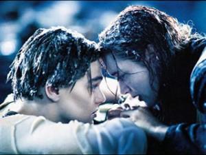 Titanic-Winslet-Dicaprio_dl-300x225